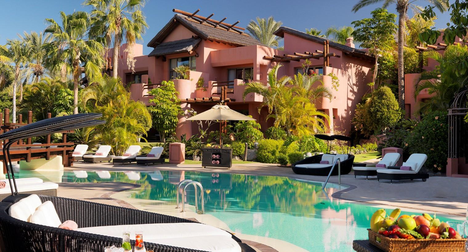 Golf Resort Ritz Carlton Abama 5* + Abama Experience pack