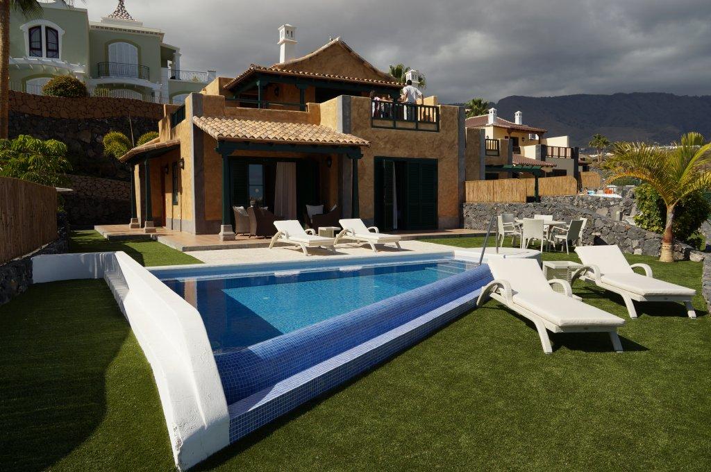 hotel-villa-maria-pool-villa-3-camere